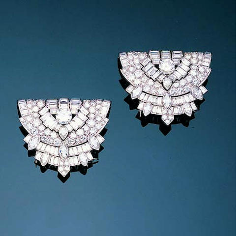 An impressive art deco diamond double-clip brooch,, by Cartier London,
