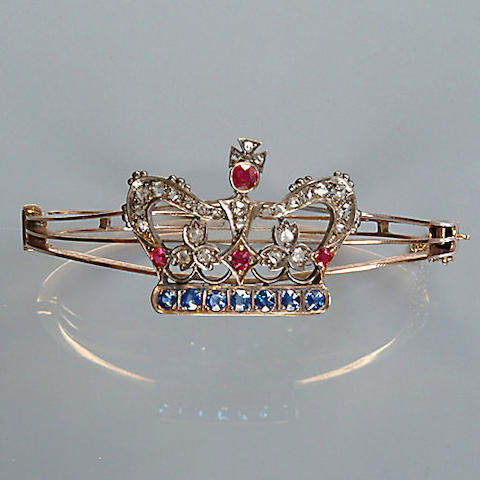 A late Victorian gem-set crown hinged bangle,