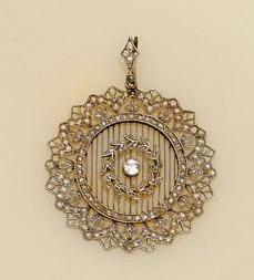 An early 20th Century diamond set pendant