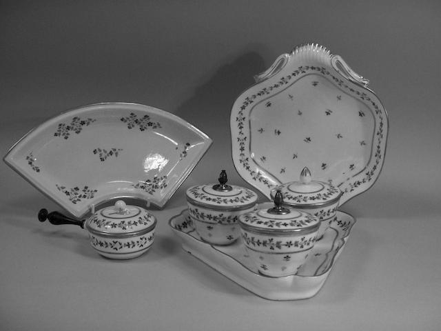 A group of Paris porcelain dinnerwares,