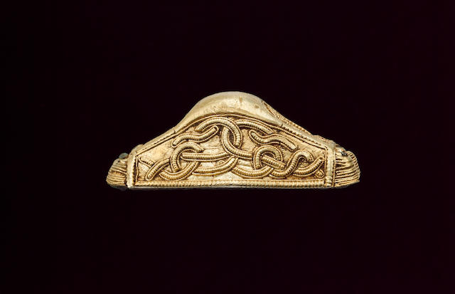 An Anglo-Saxon gold pommel cap with Style II interlace