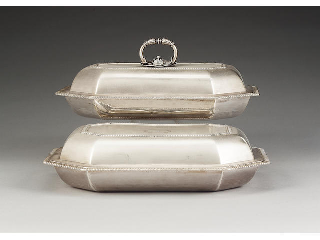 A pair of George III silver entrée dishes and covers, by Paul Storr, London 1800,
