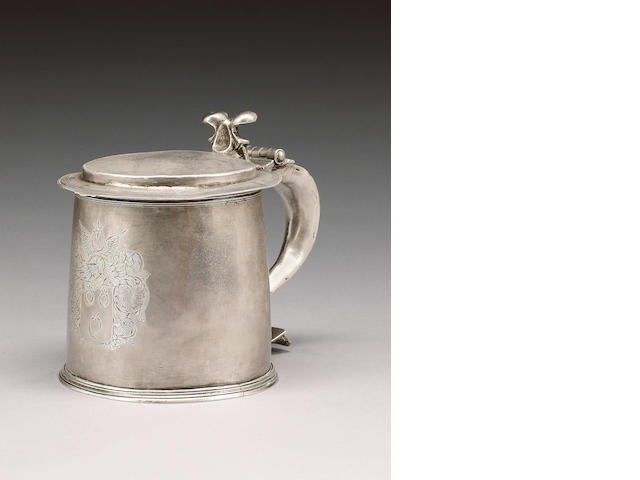 A small Charles II silver tankard, maker's mark CK above large pellet flanked by smaller pellets, Lo