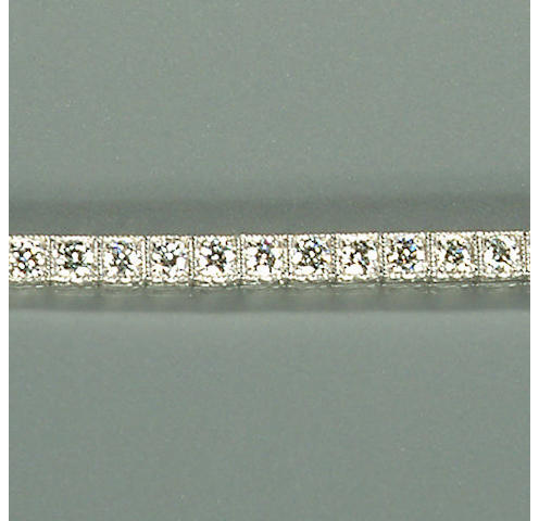 50101440004 A ladies brilliant-cut diamond-set white metal bracelet, diamonds approx. 2.50ct. total