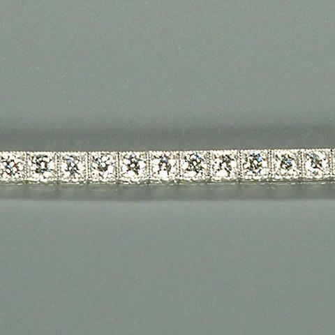 50101440004 A ladies brilliant-cut diamond-set white metal bracelet, diamonds approx. 2.50ct. total