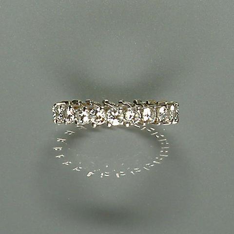 50109290077 A diamond eternity ring, diamonds approx. 1.60ct. total