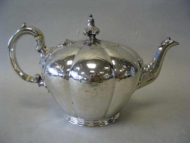 A Victorian teapot, by Edward, Edward jun, John and William Barnard London 1839,