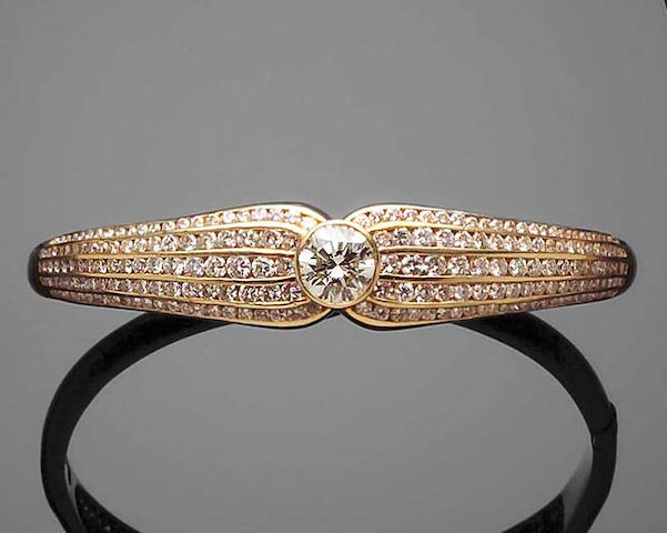A diamond-set modern bangle