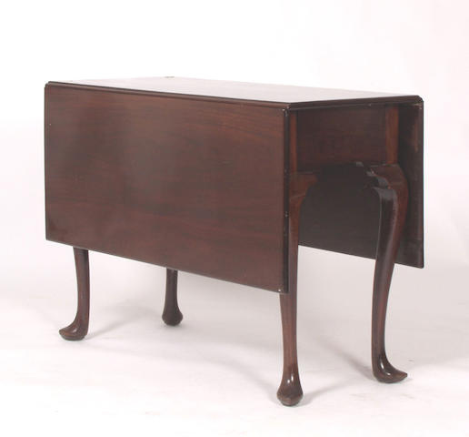 A George II mahogany gateleg table