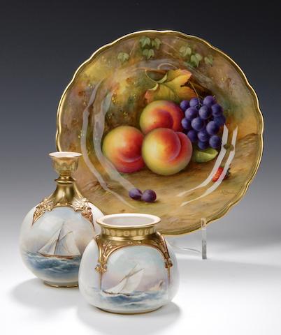 A Royal Worcester vase, dated 1910,