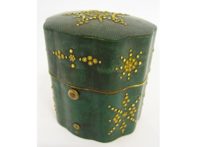A fine late 18th century shagreen and gilt pique etui