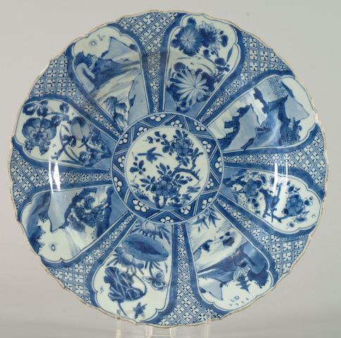 A Chinese Export blue and white dish