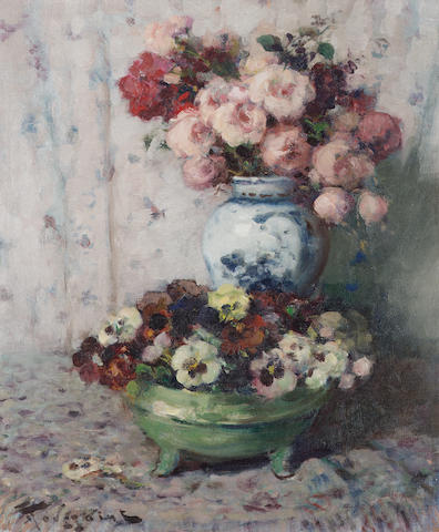 Fernand Toussaint (Belgian 1873-1955) Roses and pansies 61 x 51 cm. (24 x 20 in.)