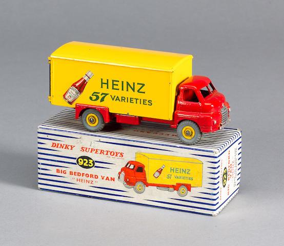 Dinky 923 Big Bedford Heinz van
