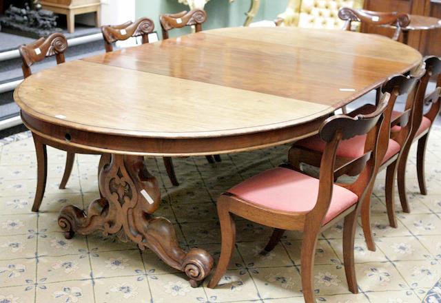 A Victorian mahogany dining table
