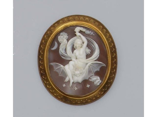 A late 19th century oval shell cameo brooch