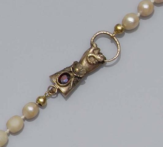 A single row cultured pearl necklace