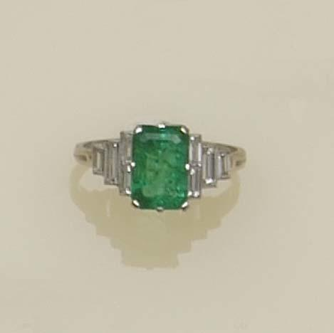 An Art Deco emerald and diamond ring, circa 1920