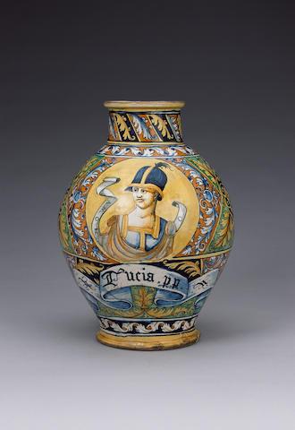 A fine large Faenza drug jar circa 1550