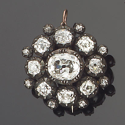 An early 19th century diamond pendant/brooch