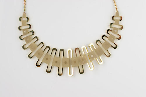 An 18ct gold abstract necklace