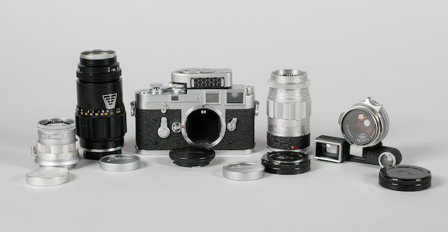 Leica M3 camera chrome, single wind, No. 962525 with Summicron 5cm.f2 lens and other accessories. (qty)