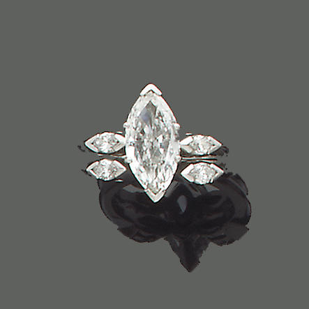 A diamond single-stone ring (2)