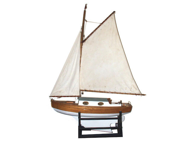 "A well made model of the gaff rigged sloop ""Middy"""