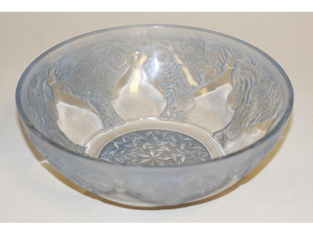 A Lalique frosted bowl 'Vases'