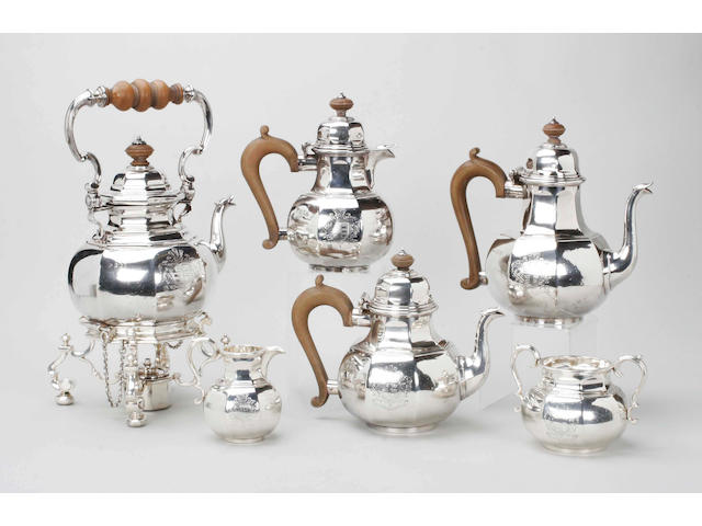A Britannia Standard six piece tea and coffee service in the George I style By Robert Frederick Fox, 1914,  (7)