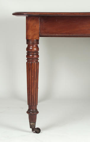 A William IV mahogany extending dining table