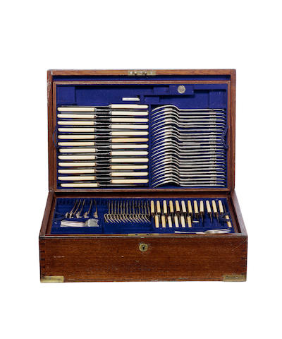 A silver Old English pattern table service of flatware, by Richard Burbidge, London 1913,