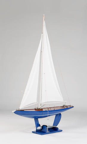 """Spray"", A 'Five-Rater' racing model pond yacht"
