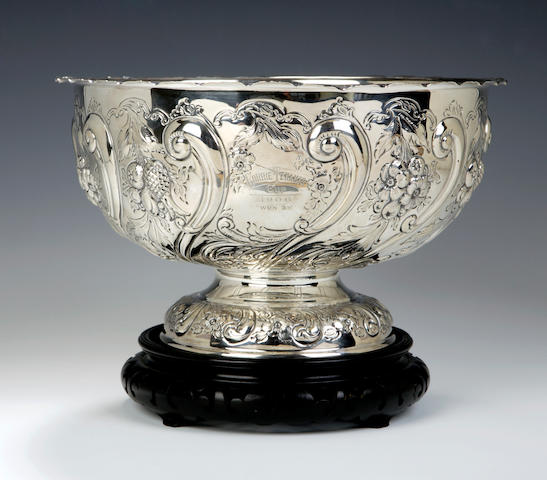An early 20th century silver Punch Bowl By Hamilton & Inches, Edinburgh 1904,
