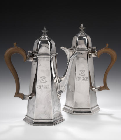 A pair of Coffee and Hot Water Pots By T.Bradbury & Sons, Sheffield 1929,