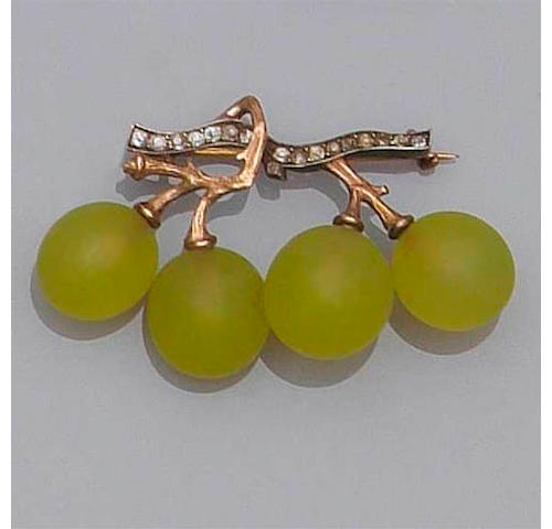 A grape bar brooch