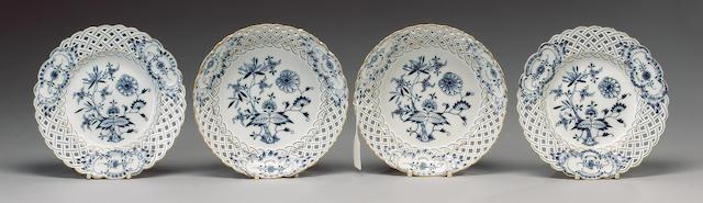 A Meissen 'Onion' pattern pierced part dessert service, early 20th century