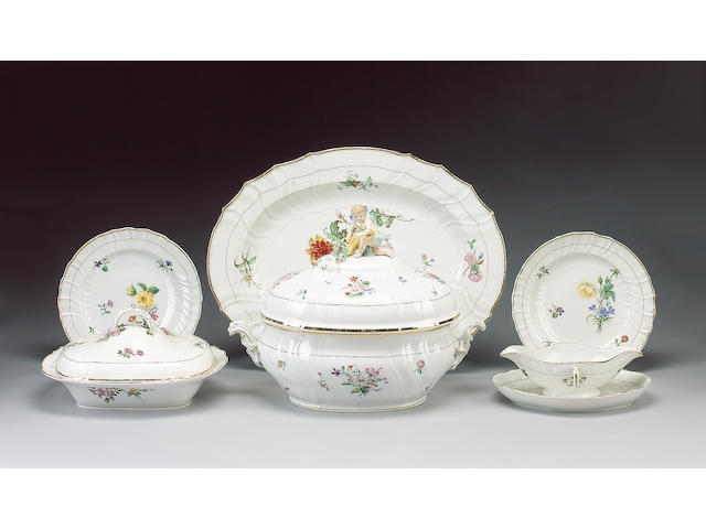 A KPM Berlin dinner service, late 19th century