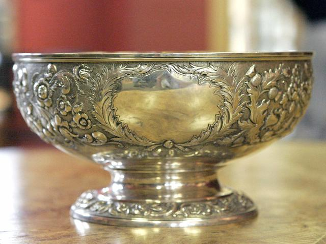 A George IV silver Bowl maker's mark of F & Ss, Edinburgh 1826,
