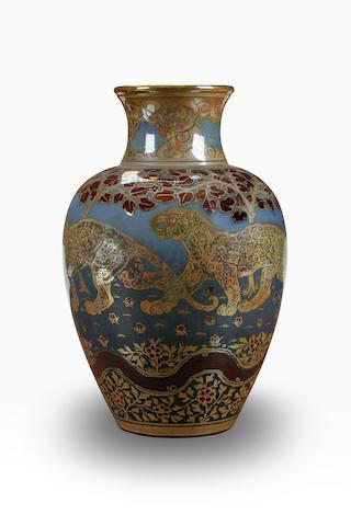 A superb Pilkingtons lustre vase by Richard Joyce, dated 1917