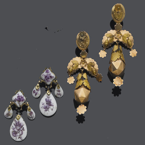 A pair of 19th century gold pendent earrings, circa 1820 and a pair of late 18th century porcelain pendent earrings, circa 1770 (2)