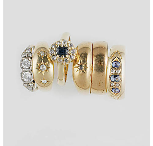 Five gem set rings, (6)