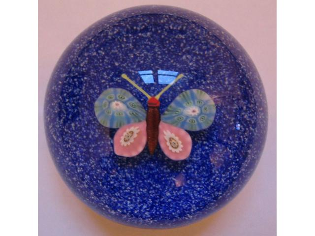 A Paul Ysart 'Butterfly' weight,