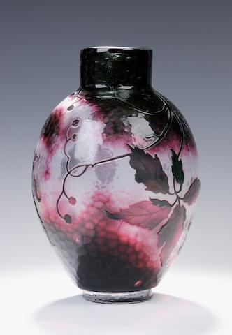 Daum A martele cameo glass vase