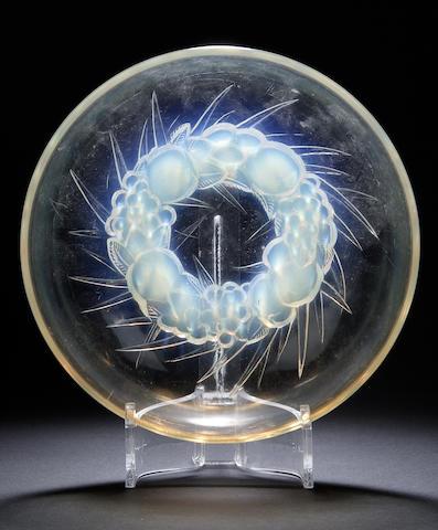'Mont-Dore' A Lalique opalescent circular glass bowl