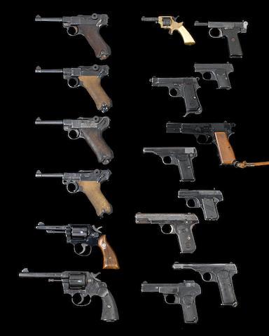 """A 9mmP """"Pistole Parabellum M.'08"""" by D.W.M., no. 9452/16 Modern handgun"""