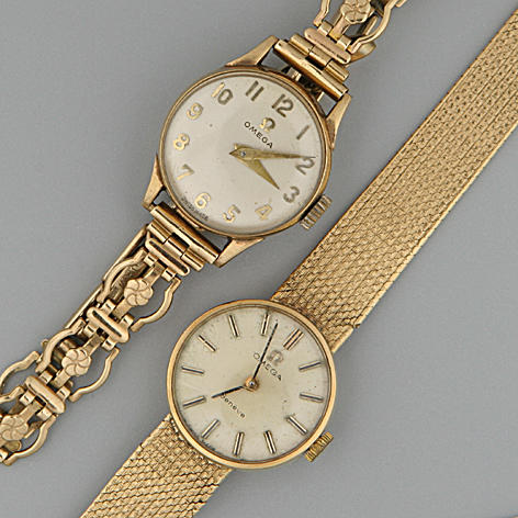 Omega: A lady's 9ct gold cased wristwatch