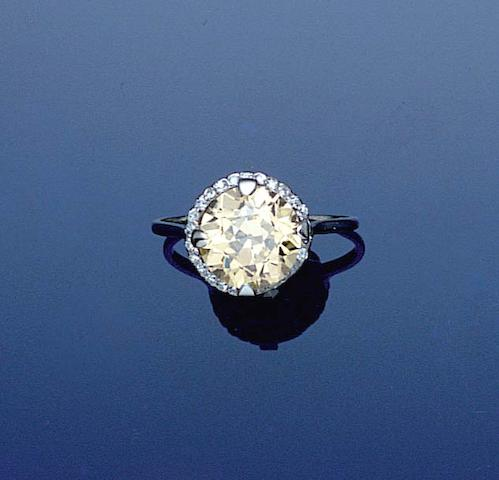 An early 20th century diamond cluster ring,