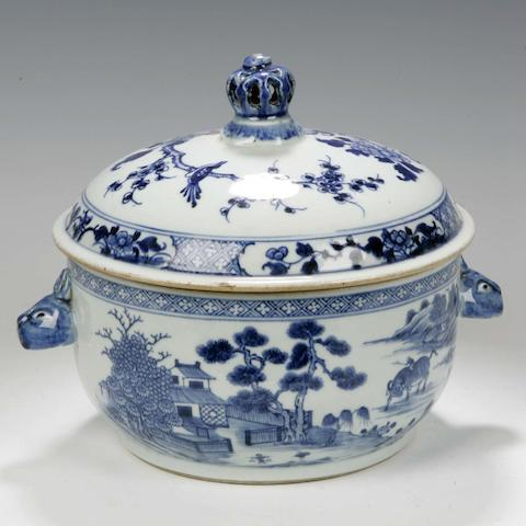 A Chinese export porcelain soup tureen Circa 1770