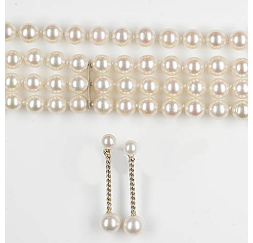 An Akoya cultured pearl suite,